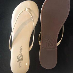 Women's flip flops sz 8